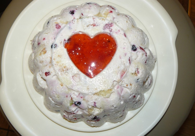 Желейный торт с фруктами и бисквитом в честь Дня Святого Валентина!