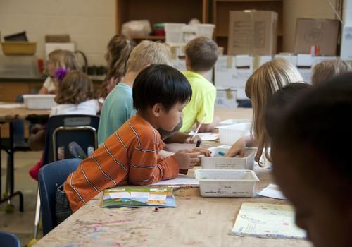 Ученики младших классов отправятся в школу, как только эпидемиологическая ситуация станет лучше