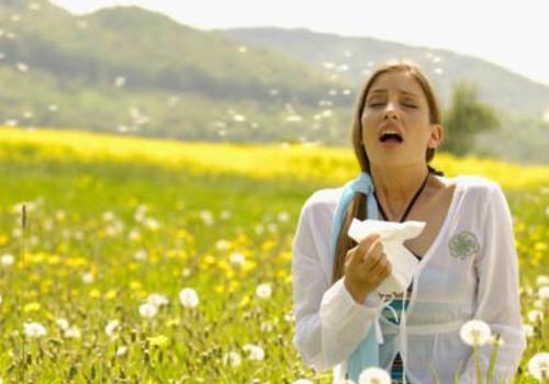 В борьбе с весенней аллергией помогут профилактические средства, витамины и народная медицина
