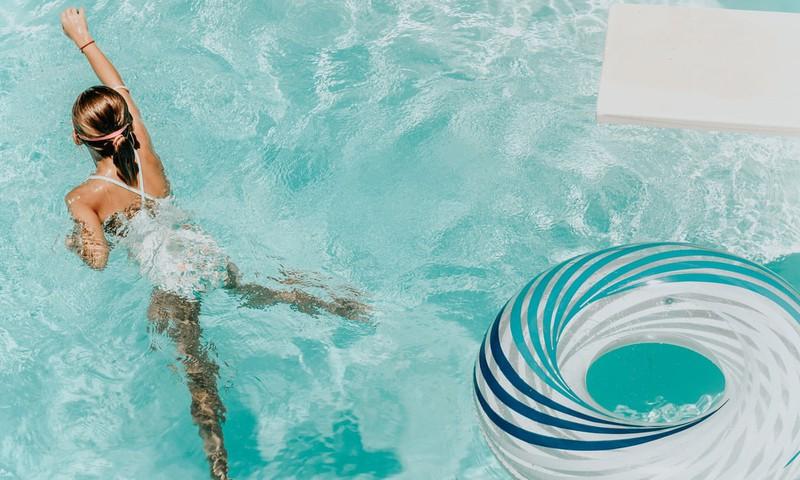 Каждый десятый признаёт,что не умеет плавать