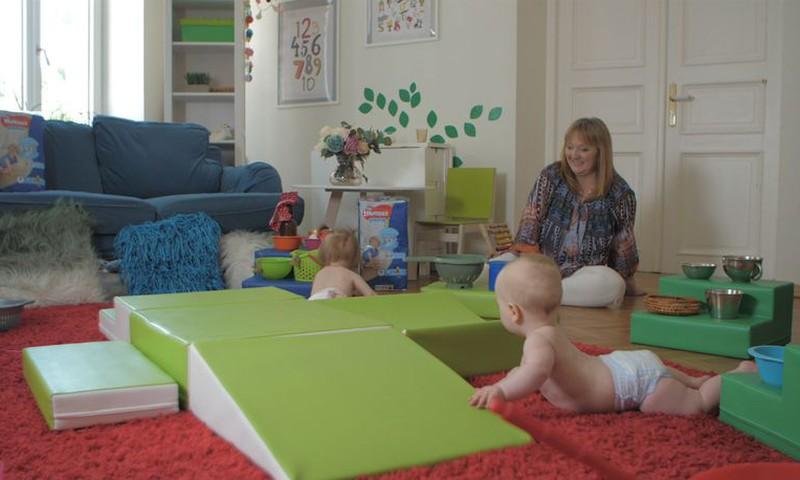Приглашаем лектора и специалиста для занятий с малышами в Школе родителей!