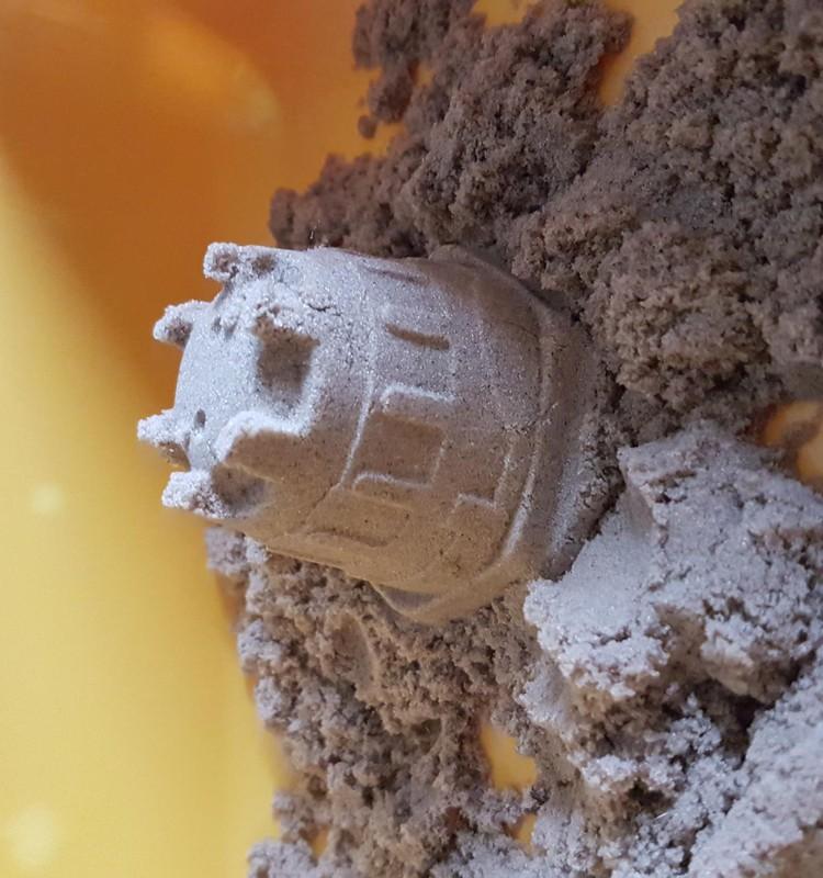 Лена: игры с кинетическим  песком