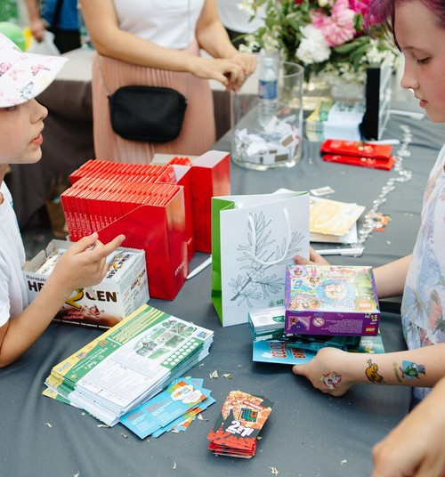 Благодарим за рассказы о Летнем фестивале МК: а вот и подарки...