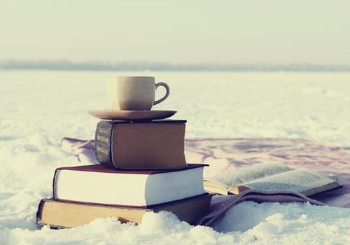 А что вы читаете сейчас? Поболтаем?!