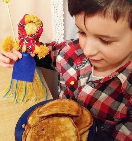 Масленичная куколка с детьми