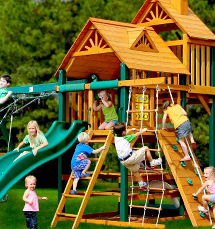 Какой должна быть безопасная детская площадка? Мы знаем!