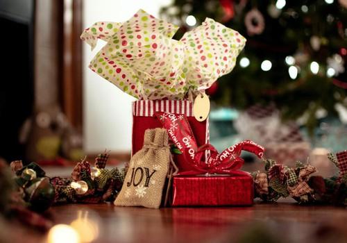 Поделись идеями подарков на Рождество - и выиграй один из призов для своего малыша!