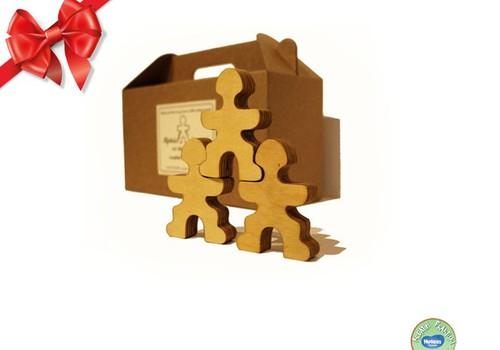 Праздничный каталог Huggies®: «Alfrēds Stiprinieks un viņa brāļi» готовы забираться в подарочные мешки!