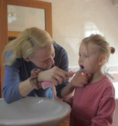 """Передача """"Мамин клуб"""" 4 апреля: чистим зубки правильно, собираем приданое малышу, консультируемся у эндокринолога"""