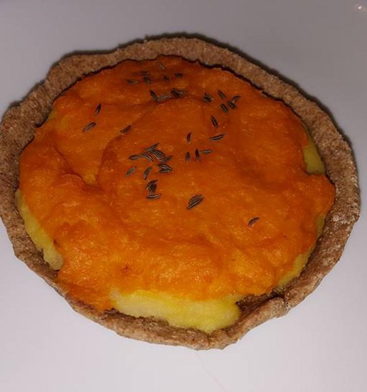 Национальное латышское блюдо Скландраусис