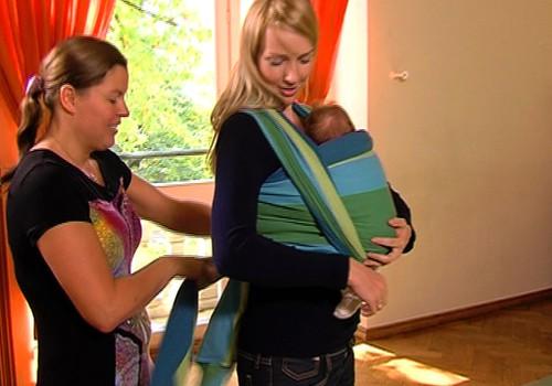 ВИДЕО: Учимся завязывать слинг вместе с мамой Супер Крохи Лиене
