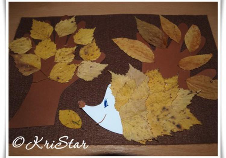 Осенние деревья из детских ладошек и весёлый ёжик