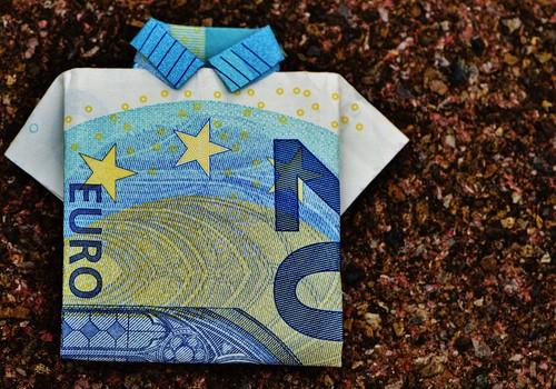 Долгожданные пособия: за первый день выплат перечислено уже 62 320 000 евро