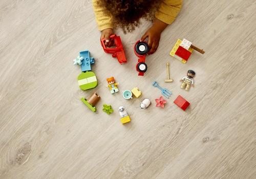 Расскажи о том, как малыш помогает по дому и выиграй комплект LEGO® DUPLO®!