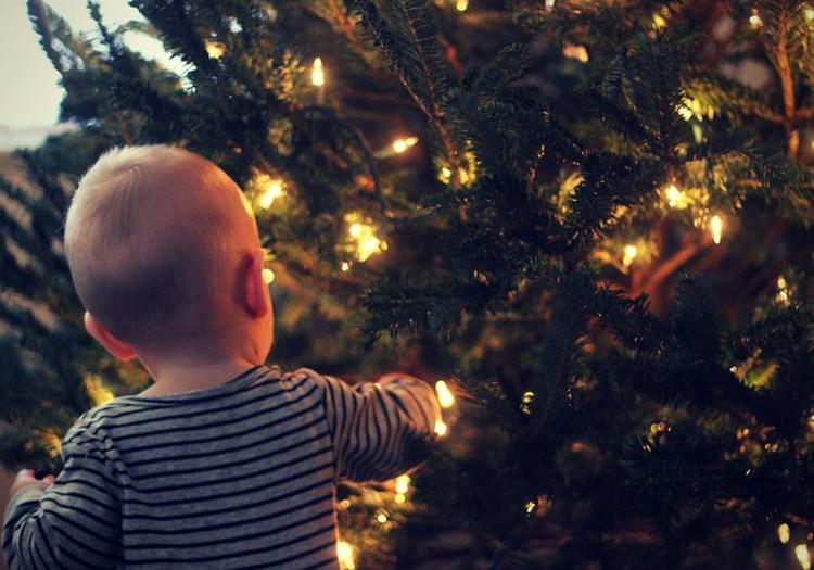 Первый Новый год малыша: кто отправится на Ёлочку Маминого клуба для самых маленьких?