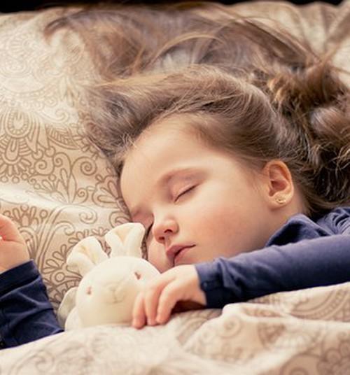Специалист по сну: малыш и колыбельные
