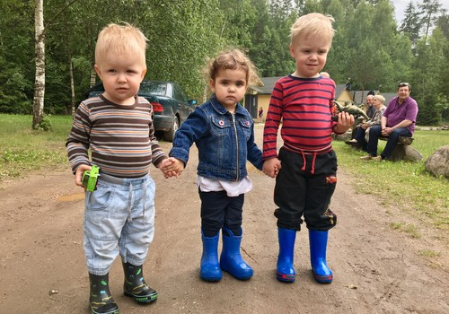 Приключения Элли и Итана: Мамотька, падём гулять!
