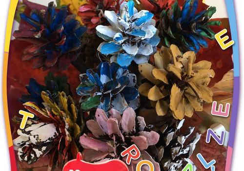 Твори с ребёнком: цветы из шишек