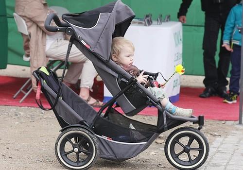 О чём нужно подумать, чтобы прогулка с ребёнком была развлечением, а не испытанием