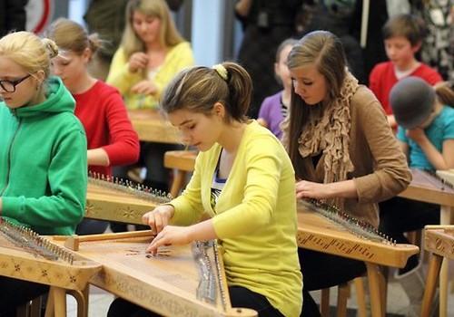 В Риге поднята плата за спортивные, художественные и музыкальные школы