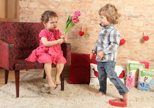 Мальчикам голубое, девочкам розовое?