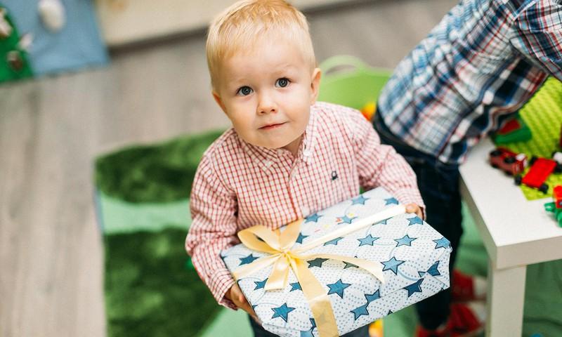 БЛОГ АЛЕНЫ: Подарки мальчикам 2 и 4 лет