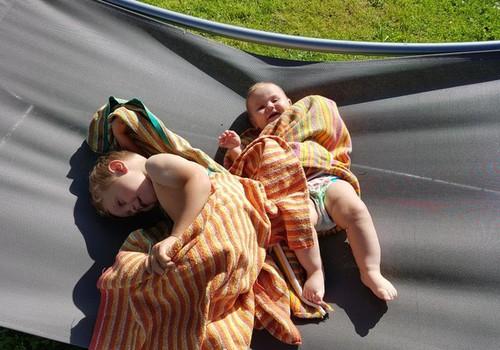Почему мамам нравятся подгузники для плавания Huggies® Little Swimmers?
