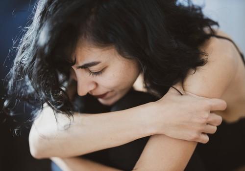 Послеродовая депрессия: недуг, о котором молчат. 3 истории мам в документальном фильме