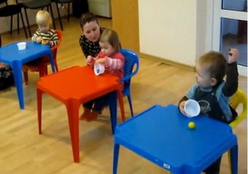 ВИДЕО: Чему могут научить разноцветные кубики и шарики
