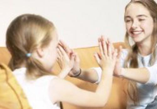 Мамы используют язык жестов для общения с малышами