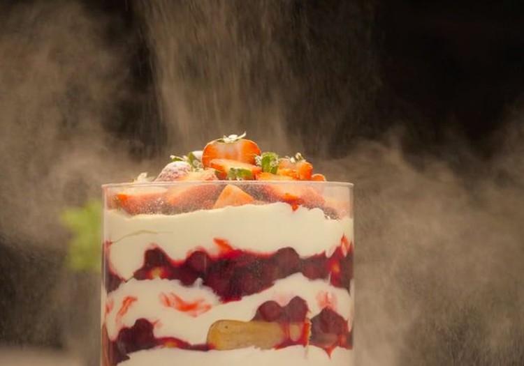 ВИДЕОРЕЦЕПТ: десерт маскарпоне к праздничному столу