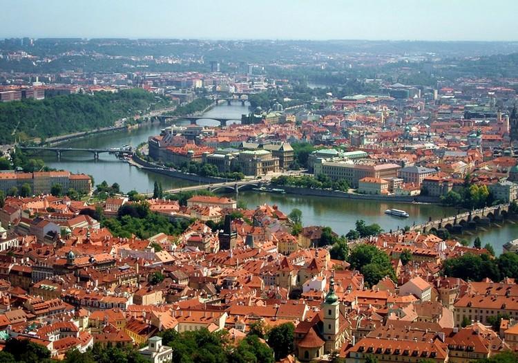 Путешествуем на машине: Прага. Петршин холм