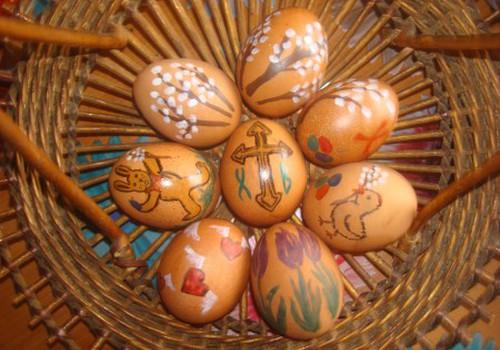 Раскрашиваем яйца!
