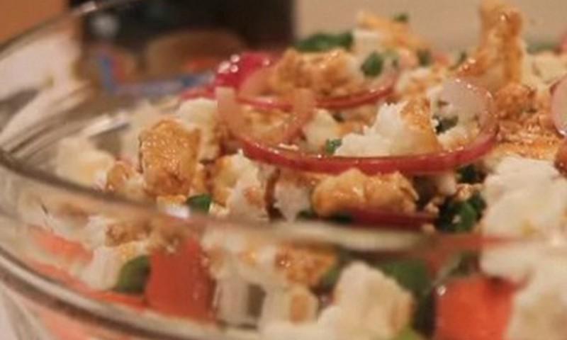 Салат из арбуза и сыра фета