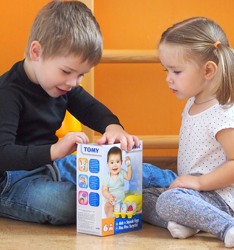 """Мы протестировали игрушку """"Яйца"""" TOMY"""