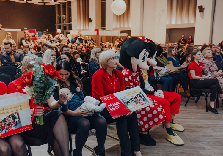 Мамин клуб собрал более тысячи родителей на третьем Конгрессе мамочек 23 ноября