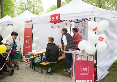 В палатке SPLAT каждый мог приготовить СВОЮ зубную пасту