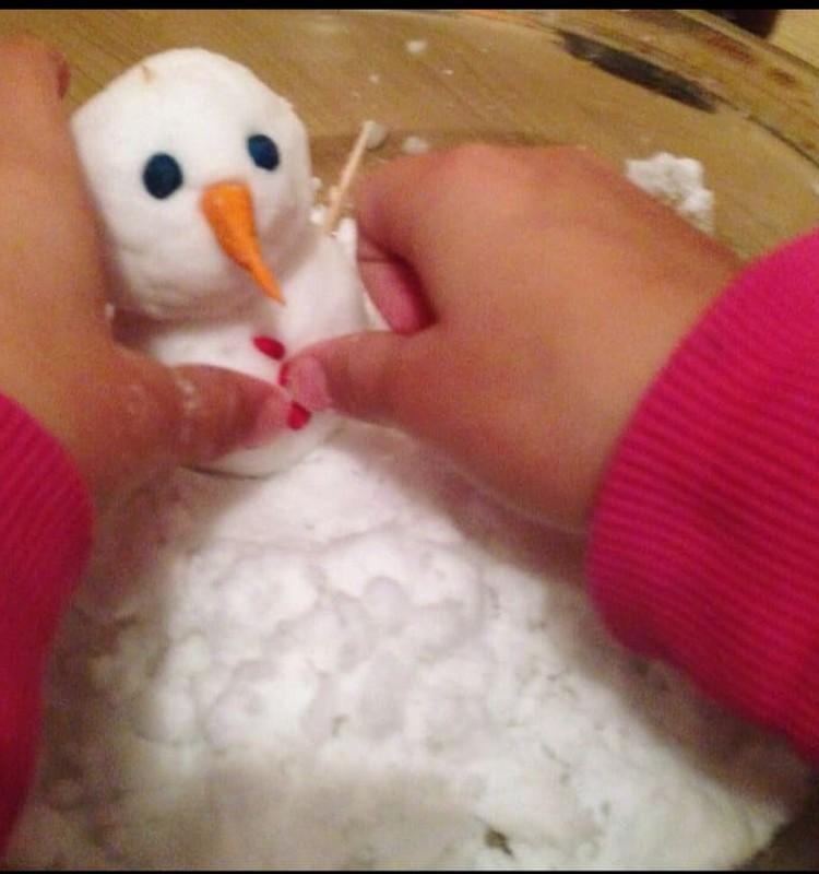 Развиваем дома: снеговики из ...соды!