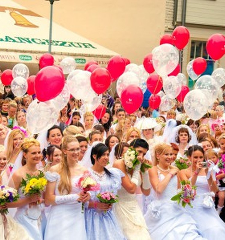 22 августа - Парад невест в Даугавпилсе!