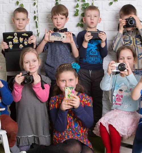 """Участники """"Фотографируют дети"""" уже успели набраться знаний у Аси Сыровой"""