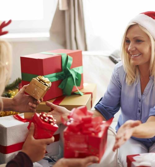 Топ праздничных подарков, которые можно купить в аптеке