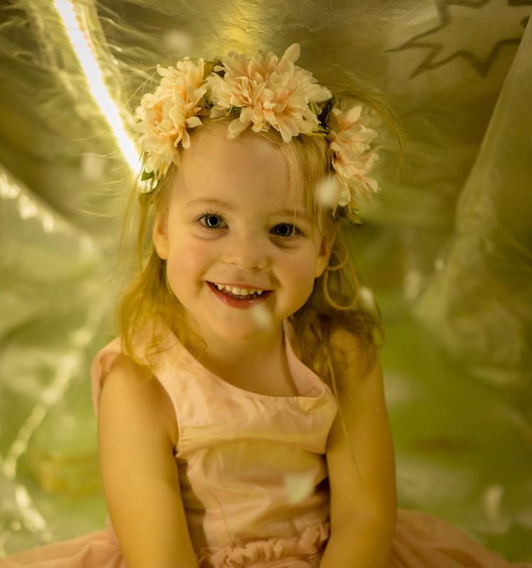 Дошкольница Ами: Новогодние ёлочки, концерт на большой сцене и ветрянка