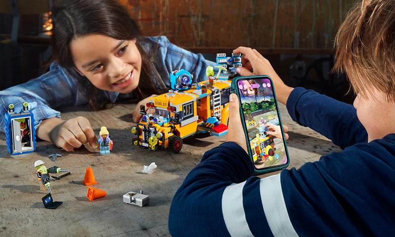 В тайном мире LEGO® Hidden Side™ кубики оживают!