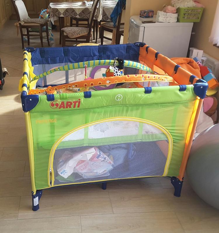 """Мои """"помощники"""" в уходе за малышом. Часть 4. Манеж, пеленальный столик, подковка, термоодежда"""