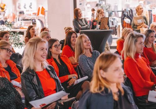 """ФОТО: 1 октября прошёл первый Вечер вдохновения для женщин в т/ц """"Акрополь"""""""