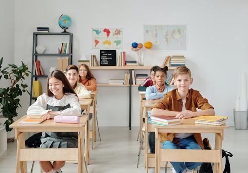 С 19 апреля очное обучение в школах возобновится в 55 самоуправлениях