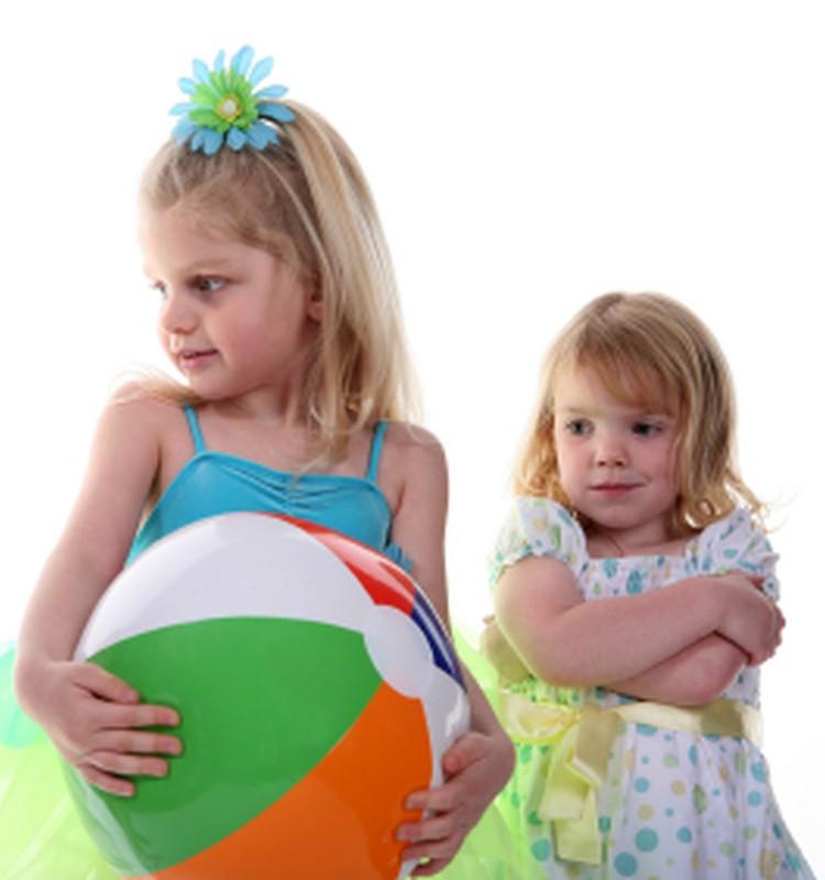 Как учить ребенка имени и фамилии?