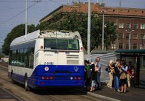 Мамы и общественный транспорт: поделись своим мнением!