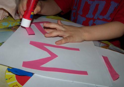 Дошкольника нужно знакомить с буквами