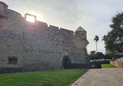 Гран Канария: Замок Света